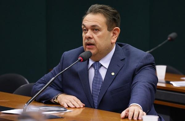 Silas Freire retirou a exigência de publicar relatório sobre uso da força, contendo número de disparos de armas letais e não letais (Imagem: Cleia Viana/Câmara dos Deputados)