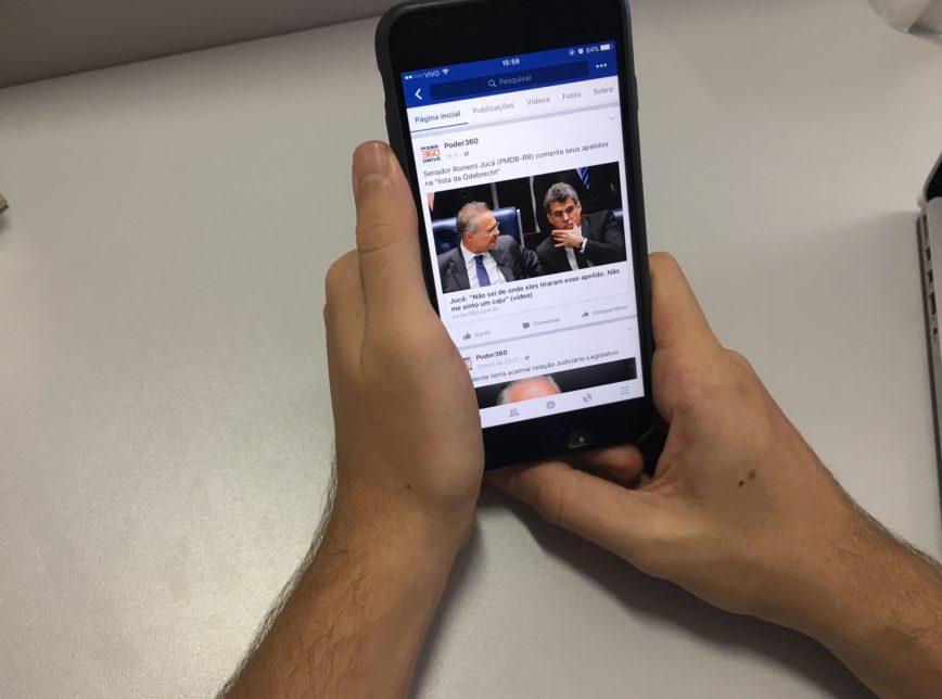 Facebook é a principal rede social para ler notícias no Brasil