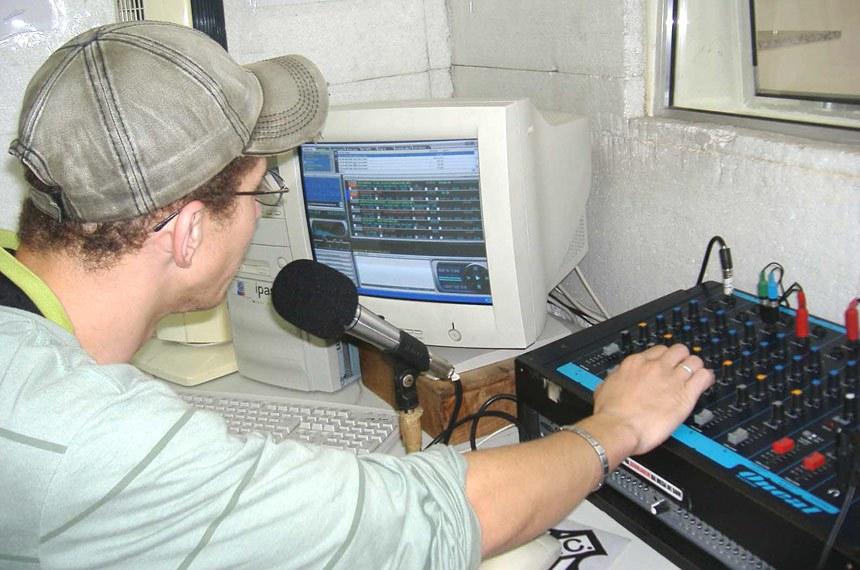 Rádio comunitária em Juiz de Fora (MG)